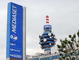 Mediaset-piu-Pay-Tv-e-meno-pubblicita